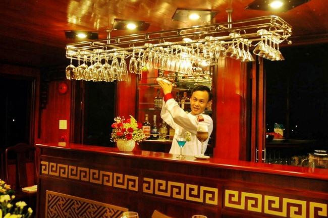 Dragon 39 s pearl vanasia travel dmc in vietnam cambogia for Quali sono le migliori cabine su una nave da crociera