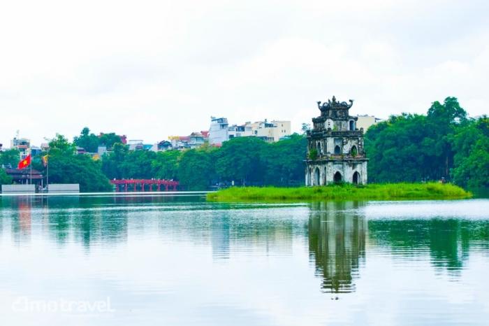Il lago di Hoan Kiem ad Hanoi